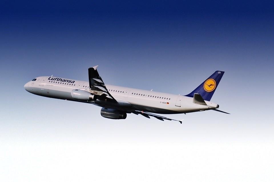 Lufthansa quiere hacerse con 90 de los 144 aviones de Air Berlin