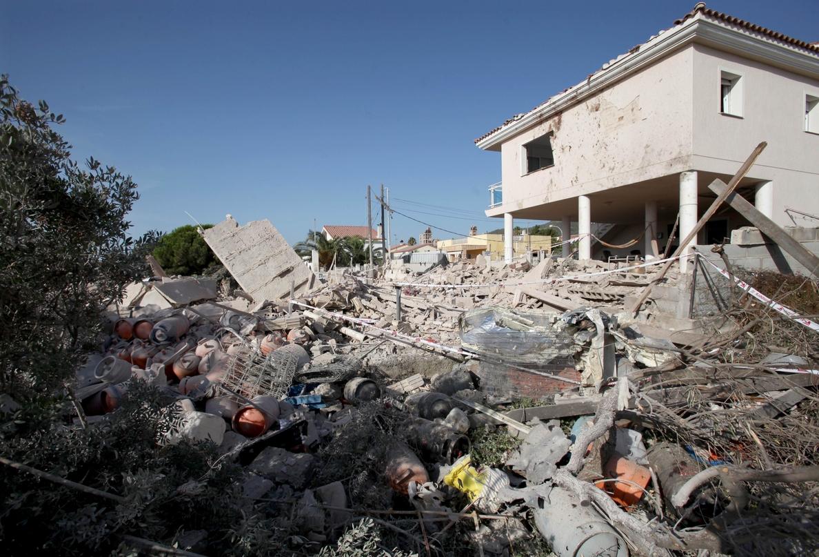 Los Mossos no descartan una segunda víctima mortal en la explosión de Alcanar