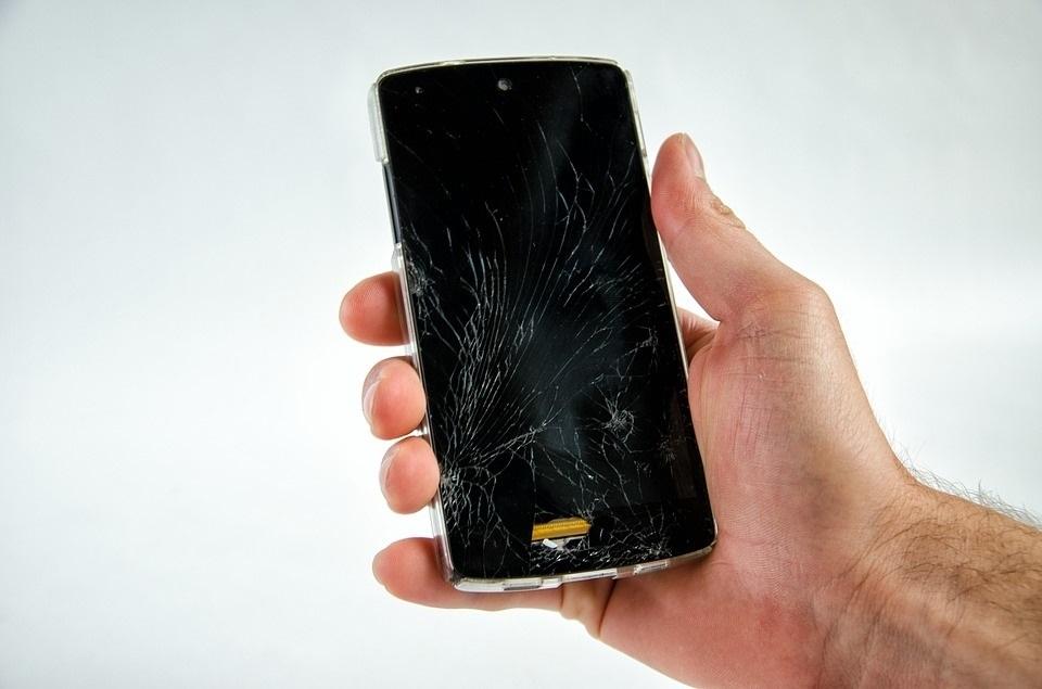 Motorola trabaja en unas pantallas de »smartphones» que pueden autorrepararse