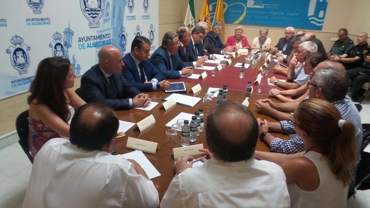 Zoido agradece en Algeciras la labor que desarrollan los colectivos sociales en materia de inmigración