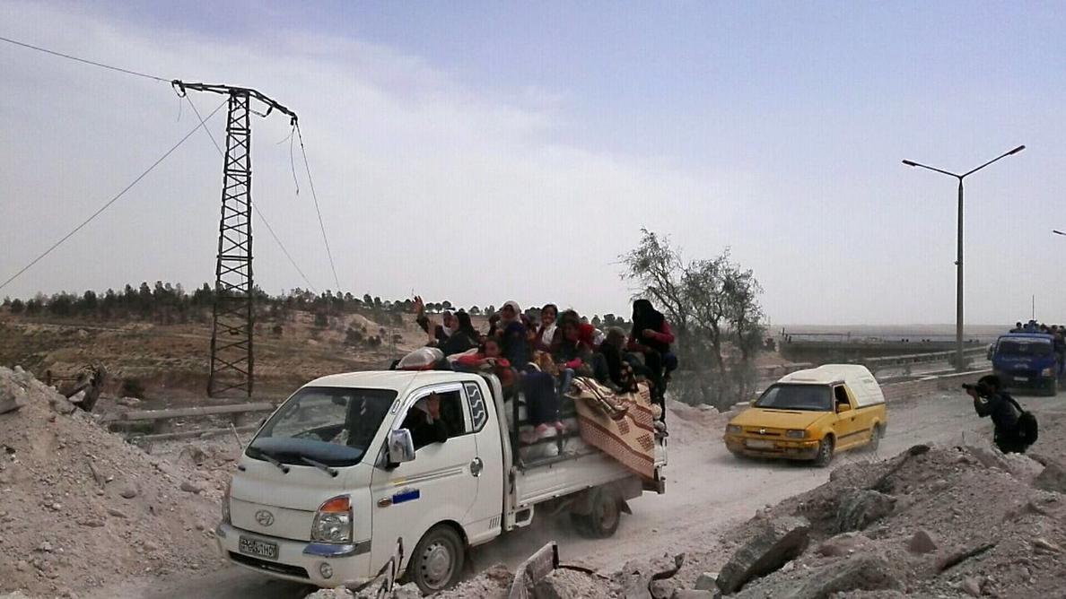 Casi 60 muertos en 3 días por bombardeos de la coalición en Al Raqa