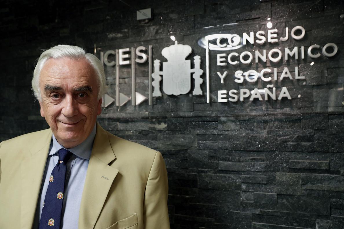 Fomento propone al presidente del CES, Marcos Peña, como árbitro para El Prat