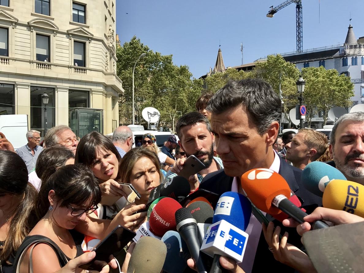 Pedro Sánchez pide aparcar las diferencias políticas para «afrontar unidos» el desafío terrorista