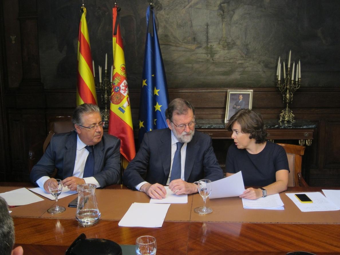 Rajoy se vuelve a reunir con miembros del Gobierno en Barcelona para analizar la situación