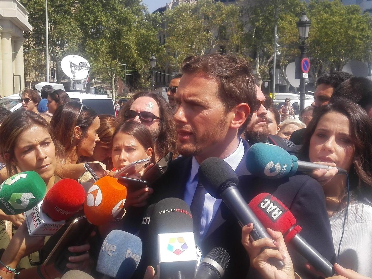 Rivera (Cs) pide «unidad política» y reunir ya al Pacto Antiterrorista