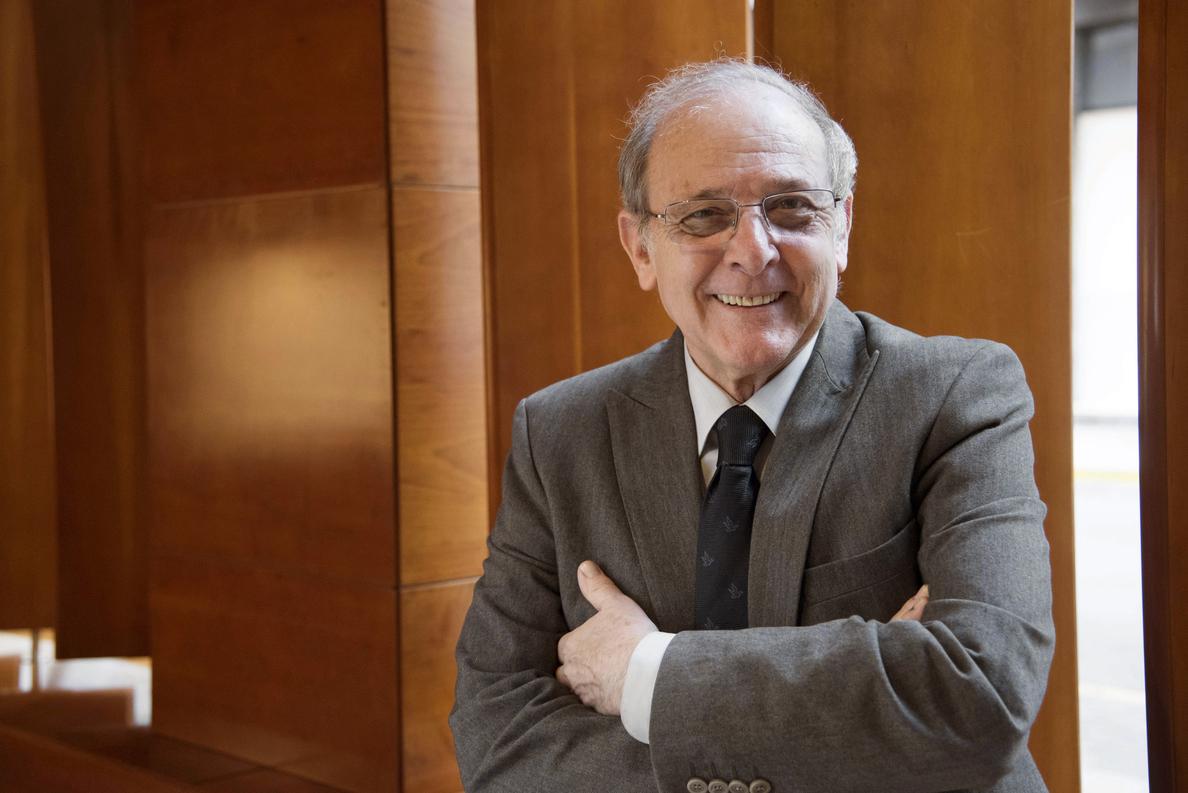 Emilio Gutiérrez Caba: El teatro tiene una discontinuidad laboral preocupante