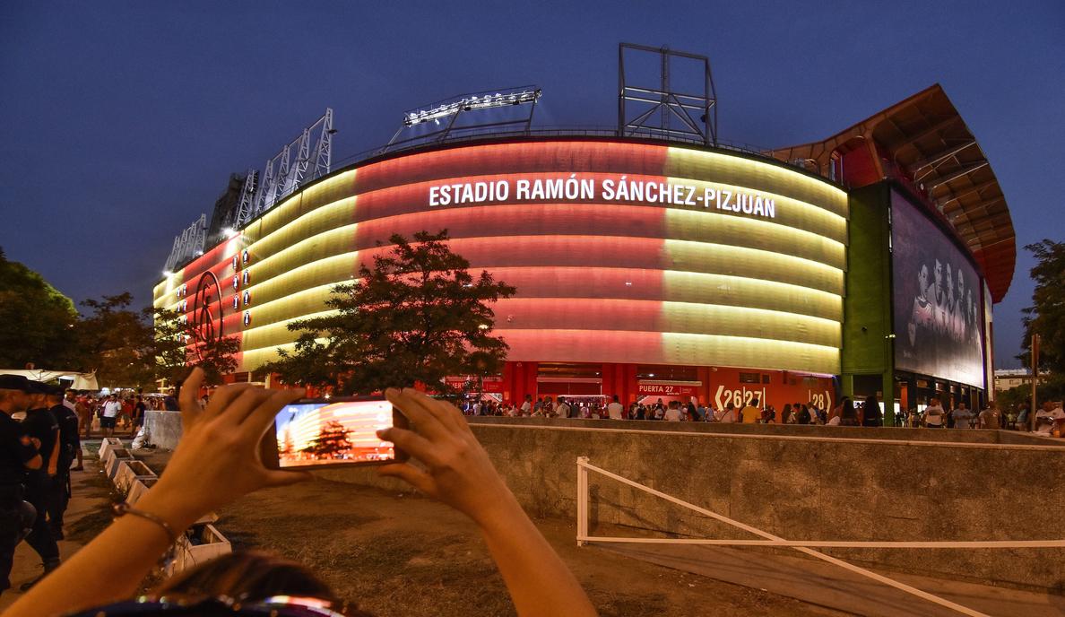 El fútbol continúa con su homenaje a las víctimas de atentados de Cataluña