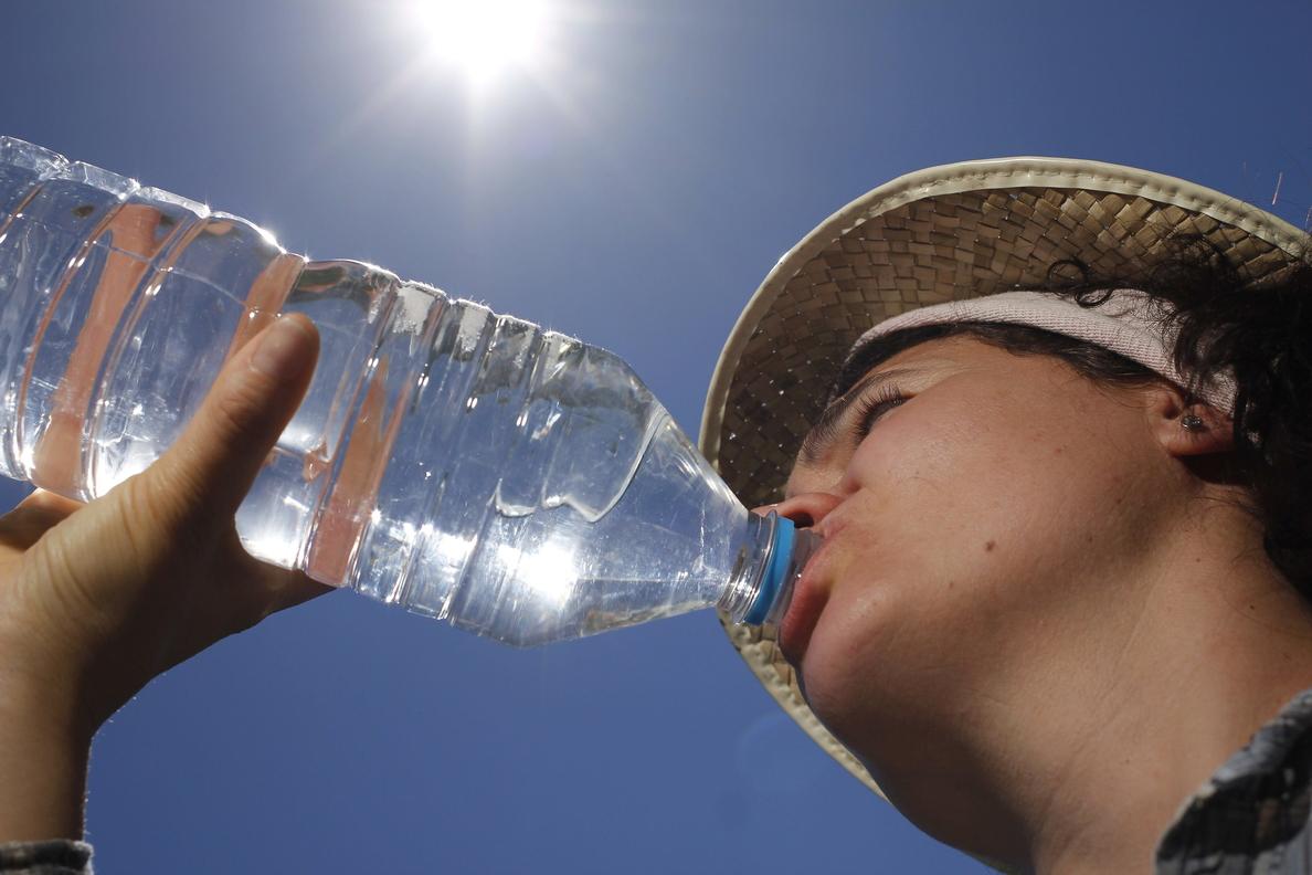 Alertas por calor en 33 provincias y Ourense y Lugo en alerta naranja