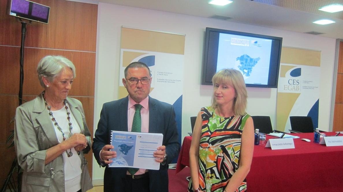 El CES llama a aunar esfuerzos entre las administraciones para fortalecer la cohesión social
