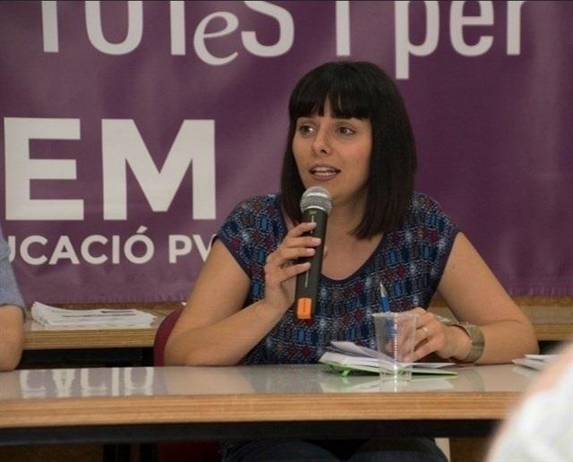 Sandra Mínguez deja el Consejo Ciudadano de Podemos y entrega su acta de diputada en las Corts
