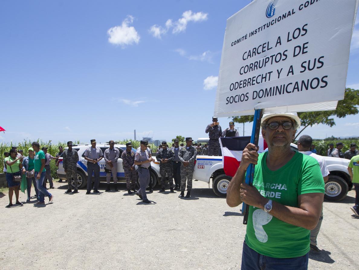 Vuelven a marchar para exigir la salida de Odebrecht de República Dominicana
