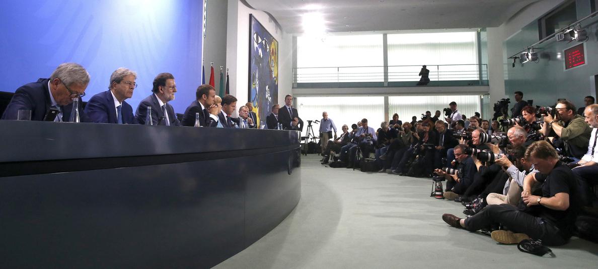 Rajoy se reunirá con Merkel, Macron y Gentiloni el próximo lunes en el Palacio del Elíseo