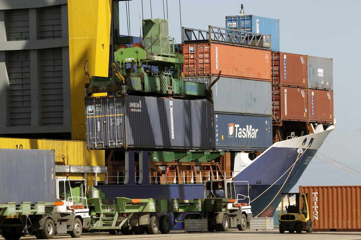 El déficit comercial crece un 40,7 % hasta junio y sube a 11.088 millones