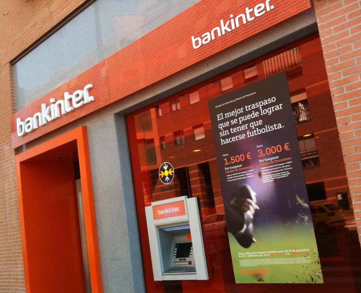 Los españoles incrementan hasta un 4% su gasto con tarjeta en ocio y hostelería, según Bankinter
