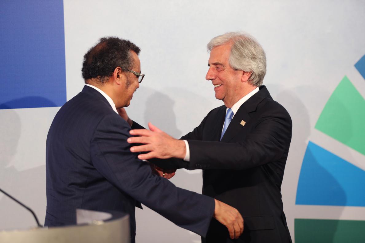 Vázquez y la OMS piden aumentar la lucha contra las enfermedades no transmisibles