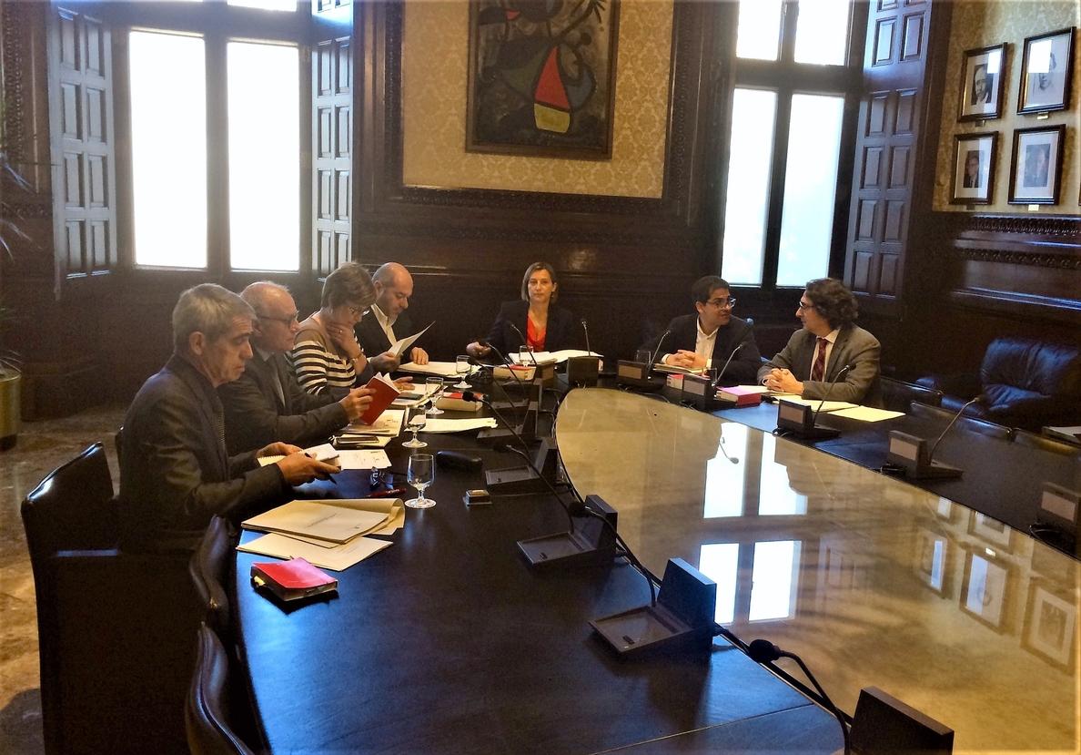 JxSí logra conservar la mayoría en la Mesa de la Diputación Permanente del Parlament