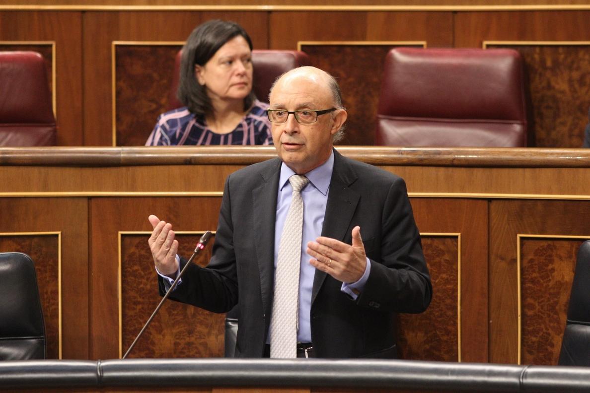 Montoro invita al PSOE a cambiar la ley si quiere conocer quién se acogió a la amnistía fiscal