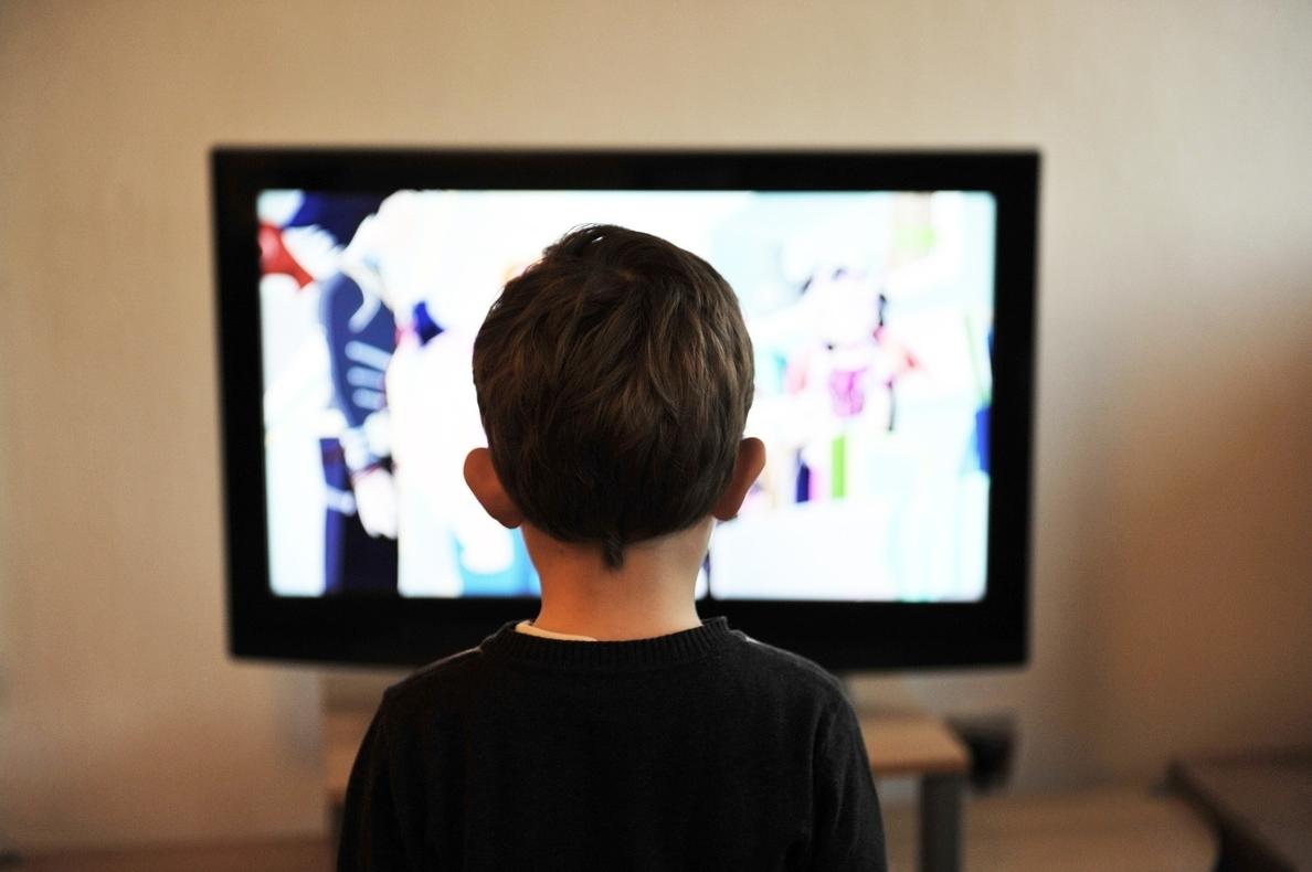 Padres de alumnos piden a la Fiscalía de la Audiencia Nacional que investigue a TV3 por adoctrinamiento