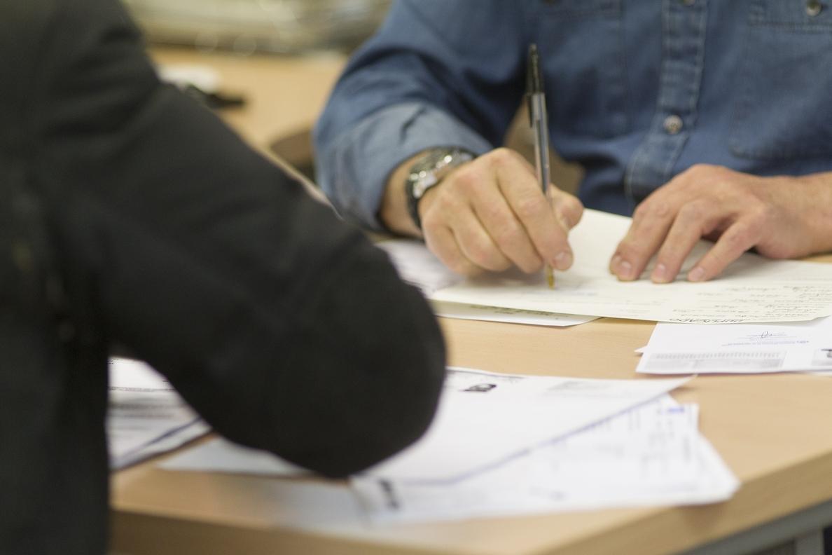 Uno de cada tres contratos firmados en octubre tenía una duración igual o inferior a un mes