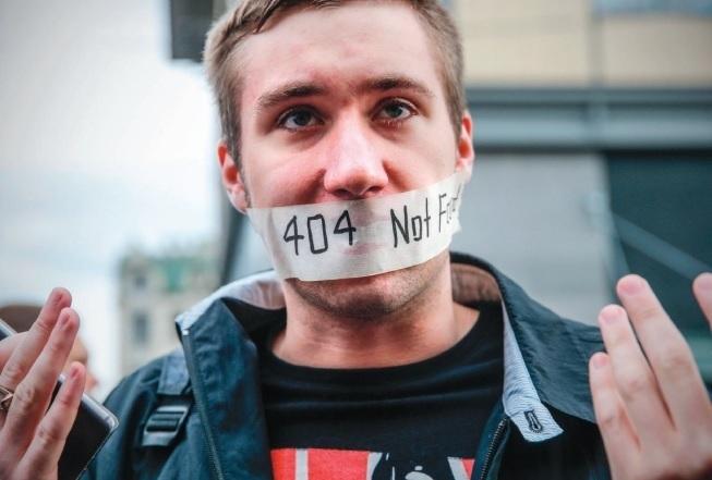 Las tácticas de desinformación online intervinieron en las elecciones de 18 países en el último año, según Freedom House