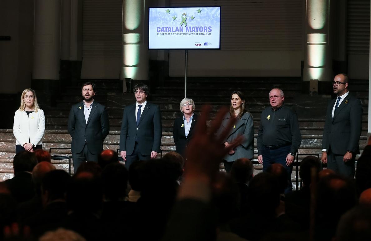 Puigdemont y los exconsejeros, jornadas entre estrategias legales y políticas