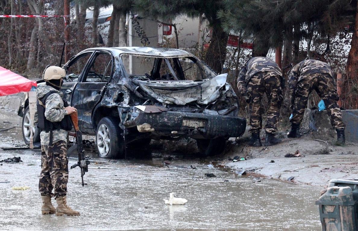 Al menos 15 muertos y 18 heridos en un ataque suicida en Kabul