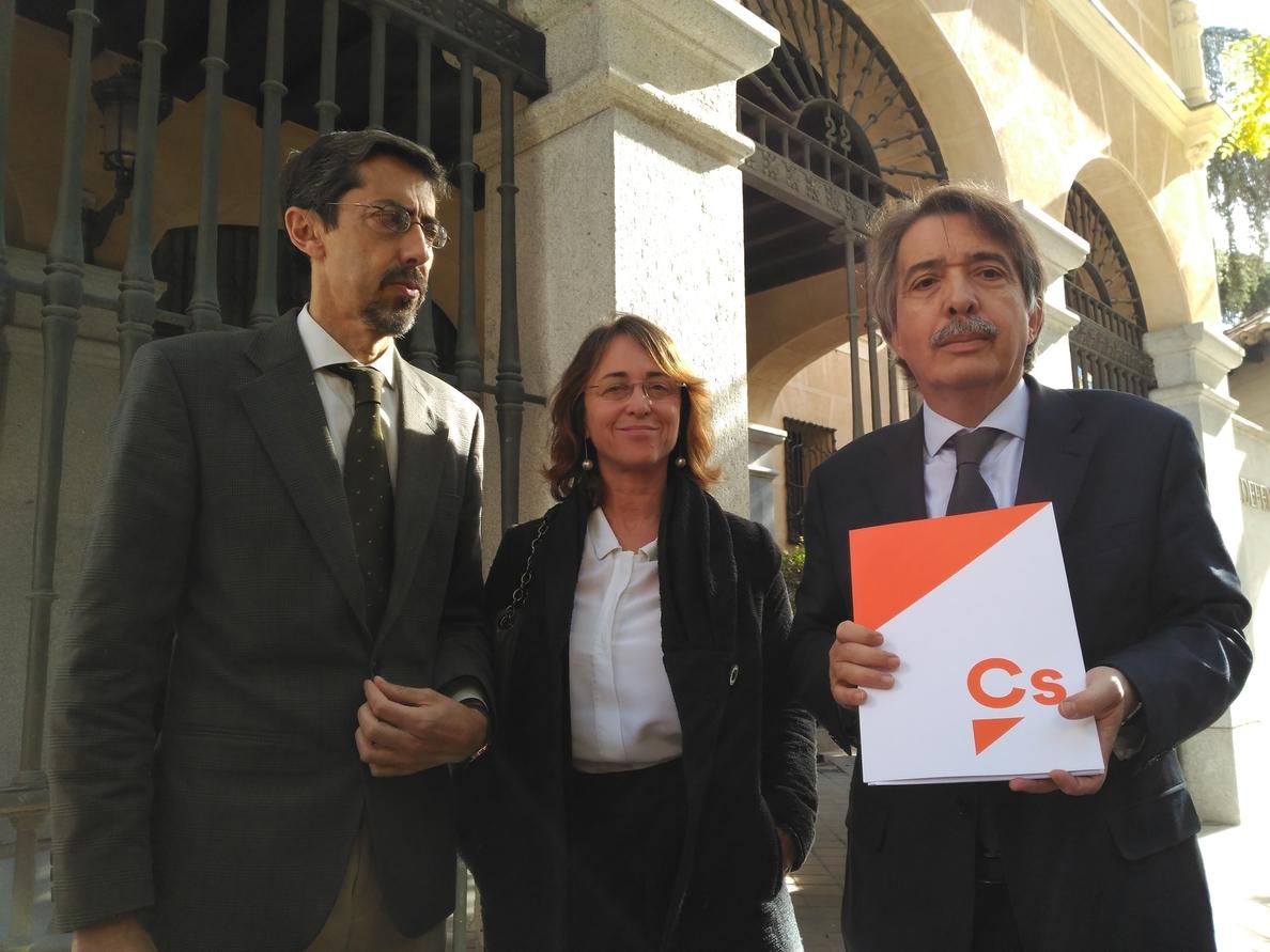 Cs pide al Defensor del Pueblo que actúe ante la «vulneración» de la neutralidad ideológica en colegios de Baleares