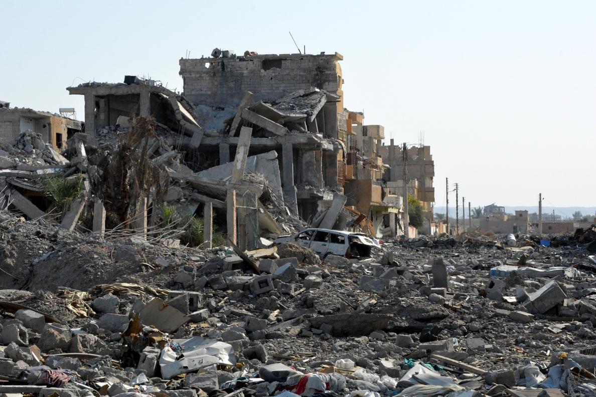 Al menos 20 muertos en un atentado del EI en el este sirio, según milicia kurda