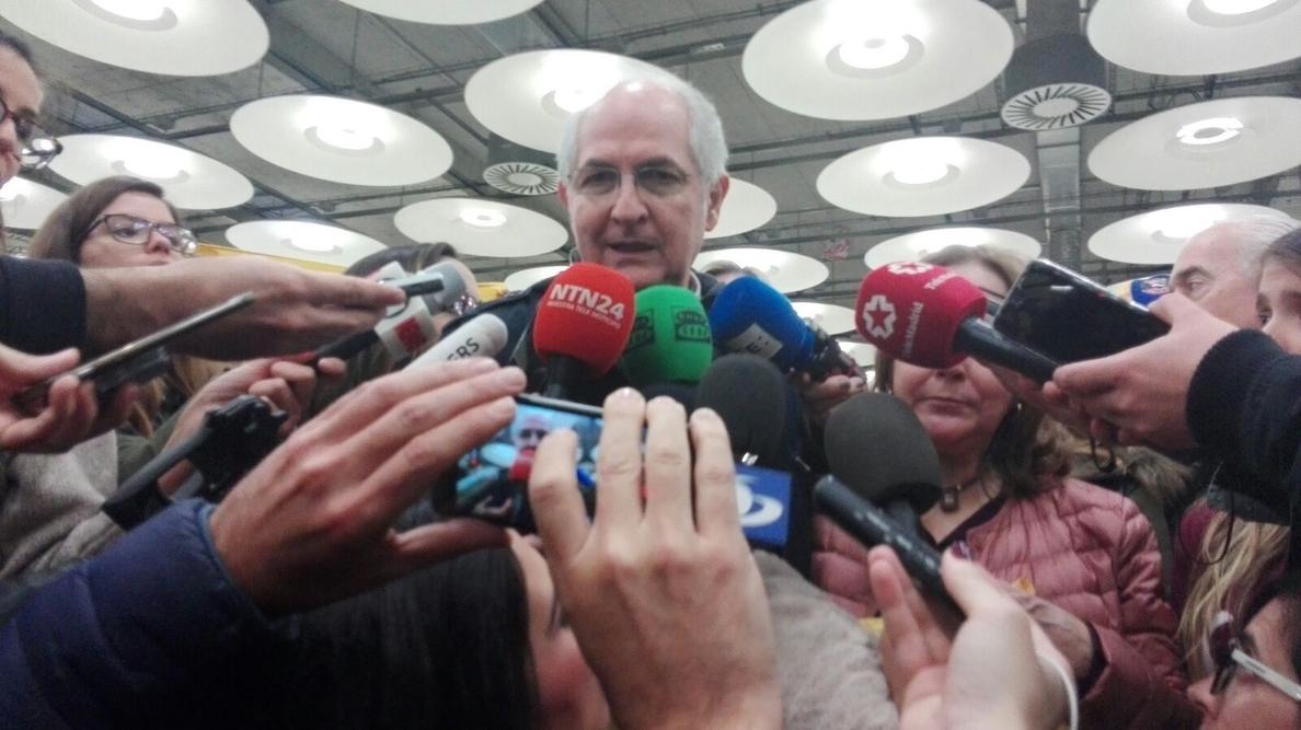 Antonio Ledezma llega a Madrid, tras escapar de Venezuela: «Me siento libre»