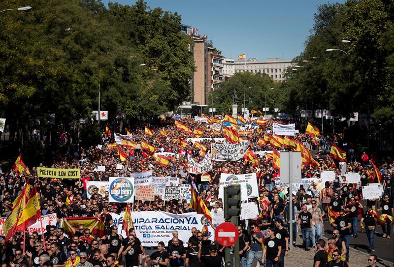 Miles de policías y guardias civiles piden «equiparación salarial» respecto a otros cuerpos