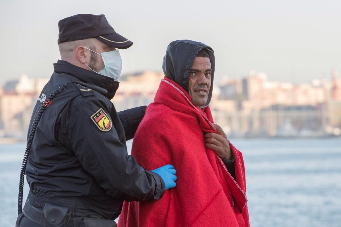 519 inmigrantes y 49 pateras han llegado a la costa murciana en 48 horas