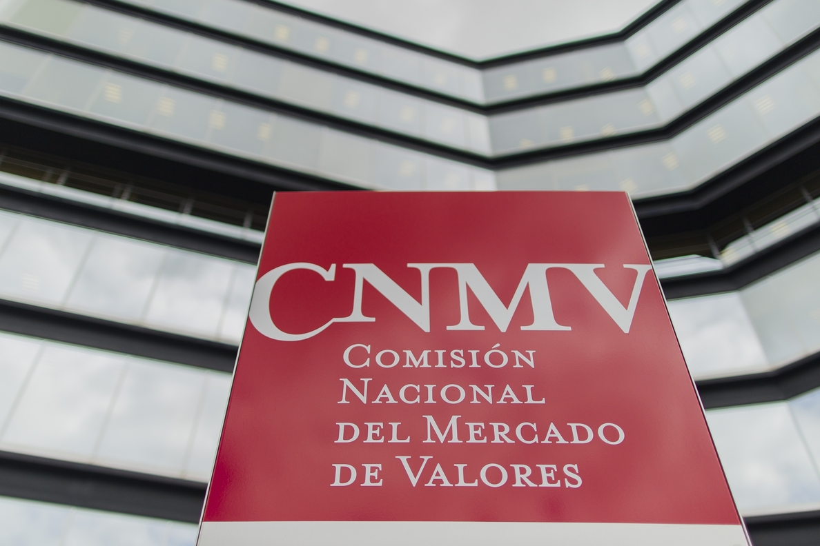 La CNMV advierte sobre dos entidades no autorizadas para ofrecer servicios de inversión