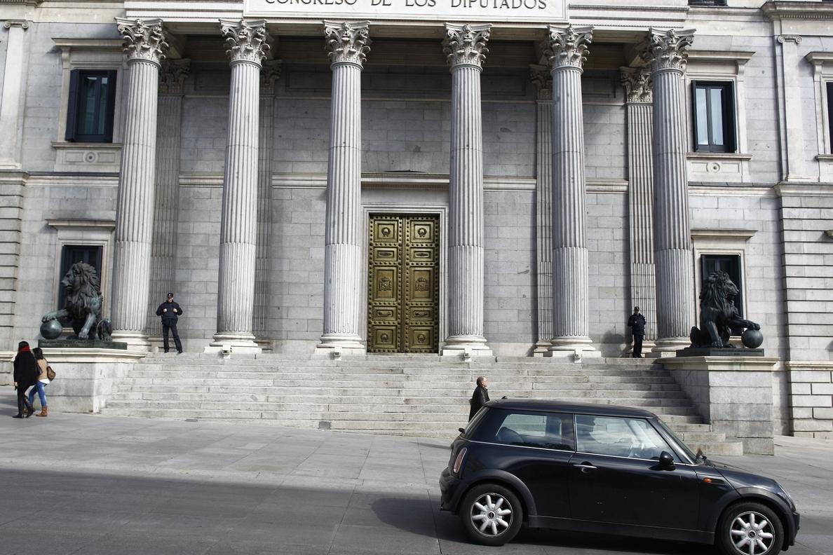 El Congreso fija en 4,3 millones el precio final del contrato de su agencia de viajes con El Corte Inglés