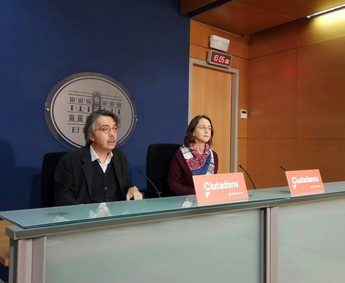 Cs pide a Podemos que aproveche «el peso determinante» que tiene en el Govern balear para hacer dimitir a Barceló
