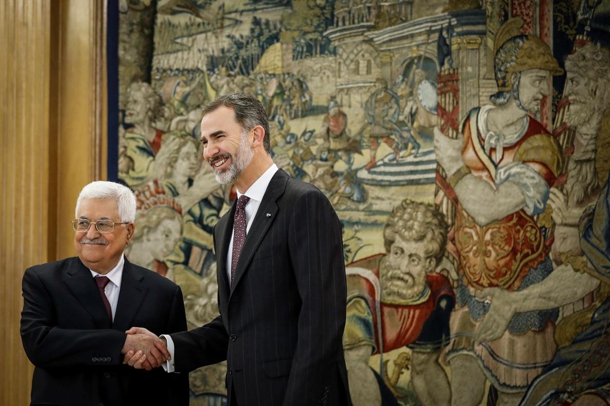 El Rey recibe a Mahmud Abás en Zarzuela al comienzo de su visita a España