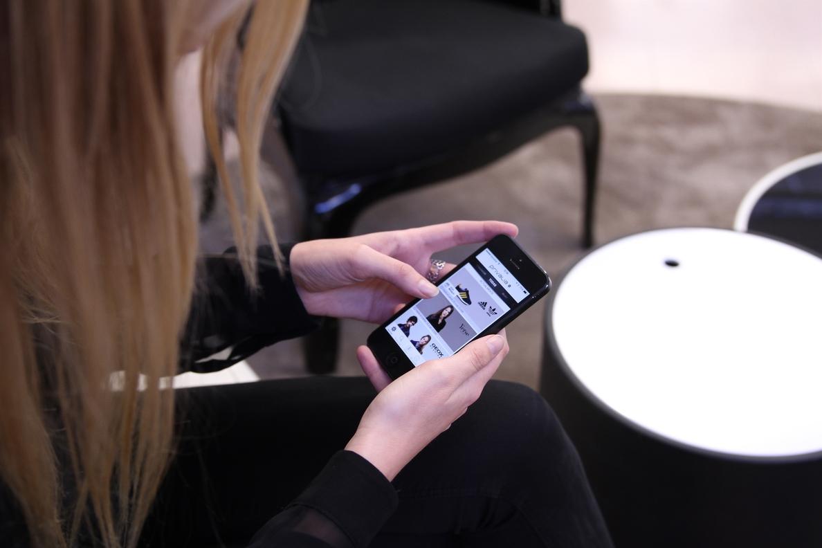 Las compras »online» de los españoles con tarjeta crecen un 71% en los últimos cinco años, según Bankinter