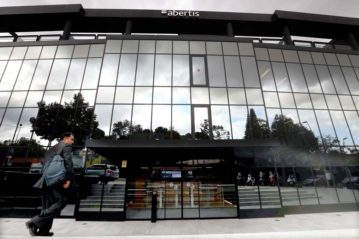 Hochtief cierra financiación por valor de 15.000 euros para comprar Abertis
