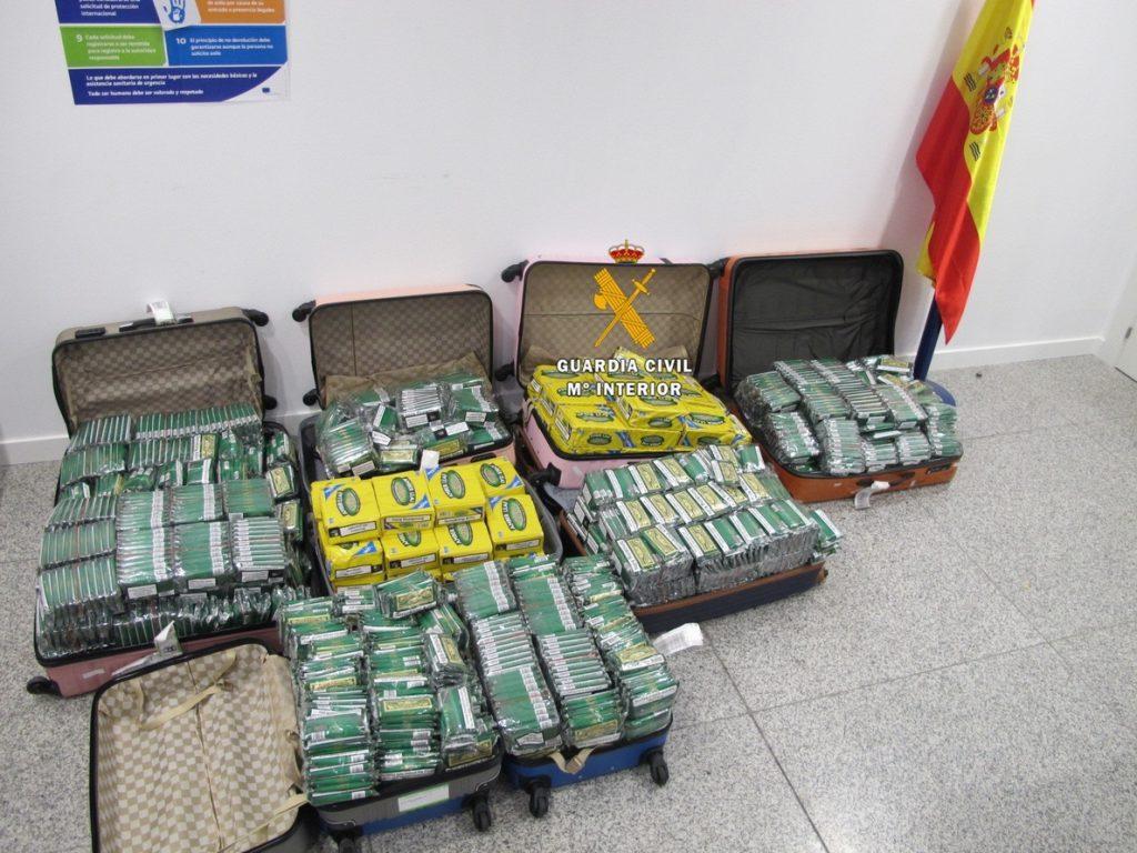 Aduanas y Guardia Civil decomisaron en nueve meses 8 millones de cajetillas y 110,8 toneladas de tabaco