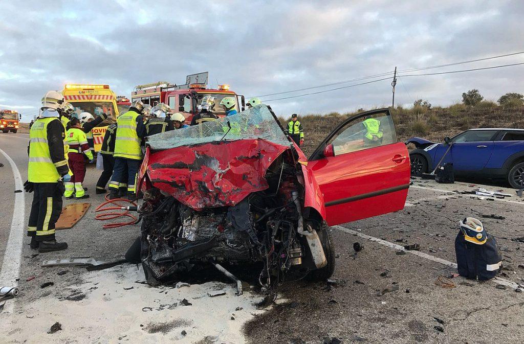 Cambios en el carné, más agentes y menos velocidad, recetas para bajar los accidentes