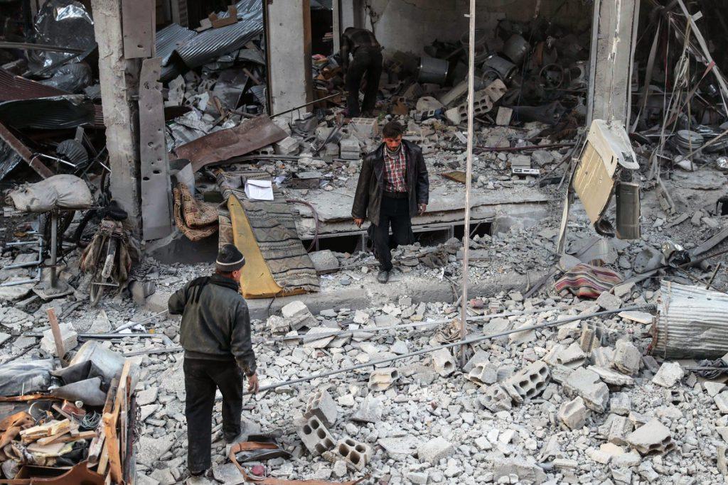 Combates entre las fuerzas sirias y facciones islamistas cerca de Damasco