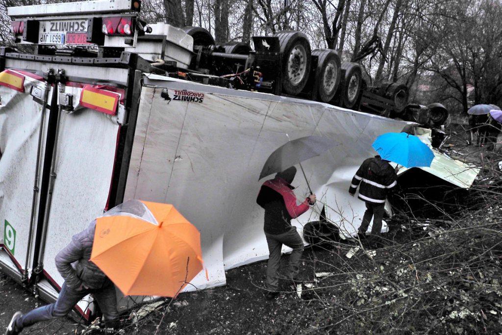 23 fallecidos en las carreteras españolas a falta de una semana para el cierre de la Navidad
