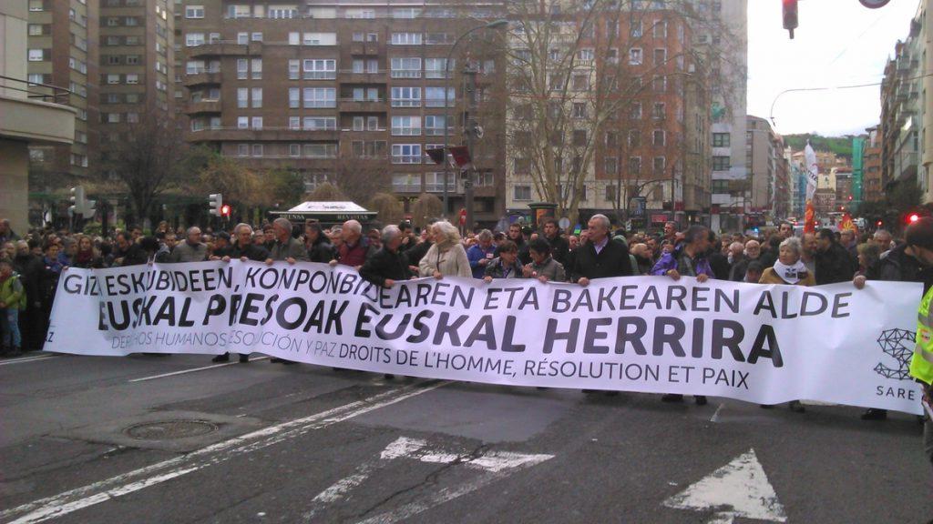 Los presos de ETA se reducen a 300, la mitad de los que había en 2011 con el fin de la violencia