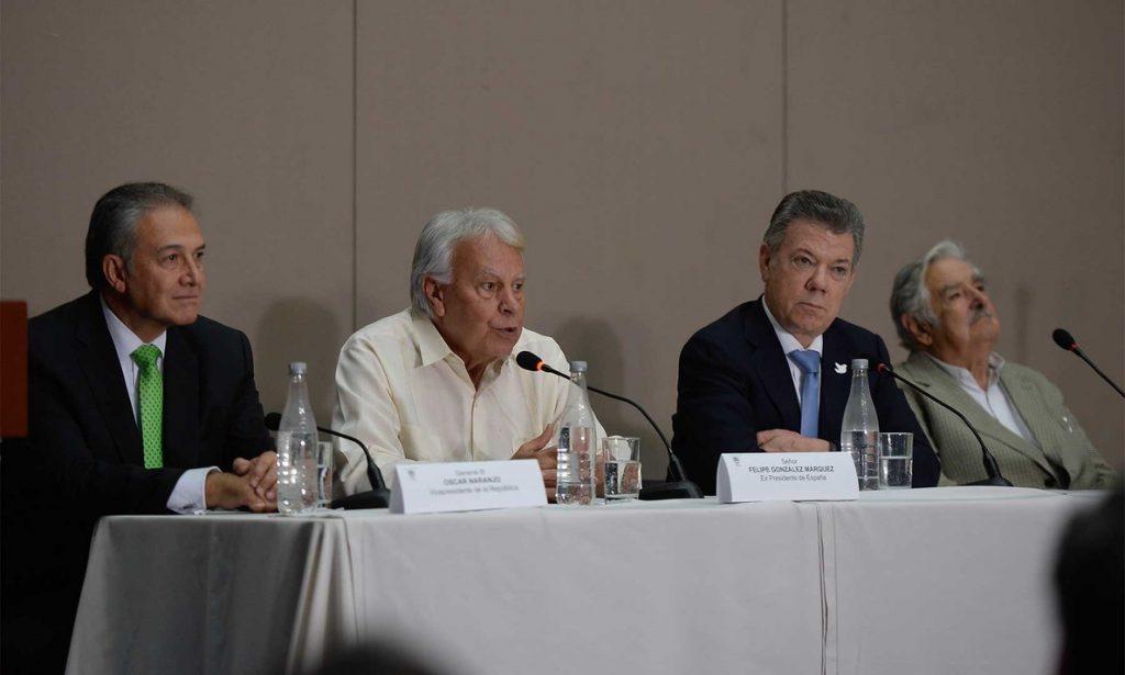 Las FARC se reúnen con José Mujica y Felipe González para abordar los «retos» del proceso de paz