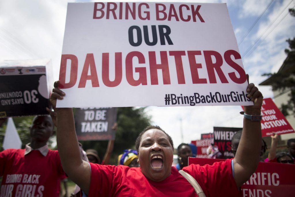 Liberada una de las chicas secuestradas de Chibok, según el ejército de Nigeria