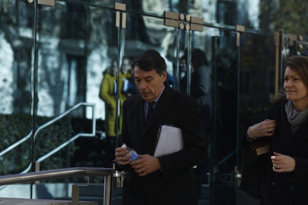 La UCO encontró tres billetes de quinientos euros en el registro del ático de Ignacio González en Estepona
