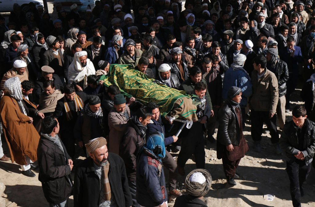 Al menos 5 muertos y 20 heridos en un atentado durante una manifestación en Kabul