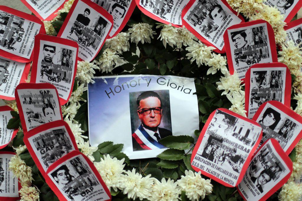 Las fotos ocultas del Chile de Allende se exponen en la ciudad lusa de Braga