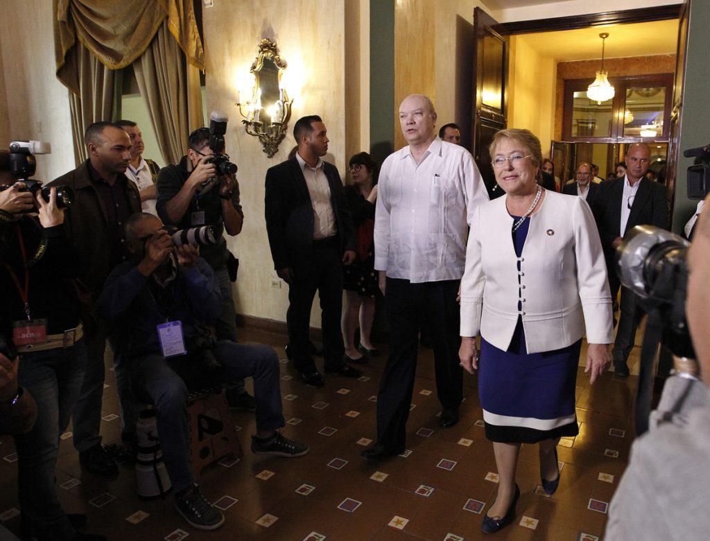 Bachelet espera que el próximo Gobierno mantenga su línea en la política exterior