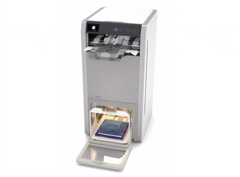Esta máquina que plancha, dobla y perfuma la ropa en 4 segundos llegará al mercado a finales de 2019