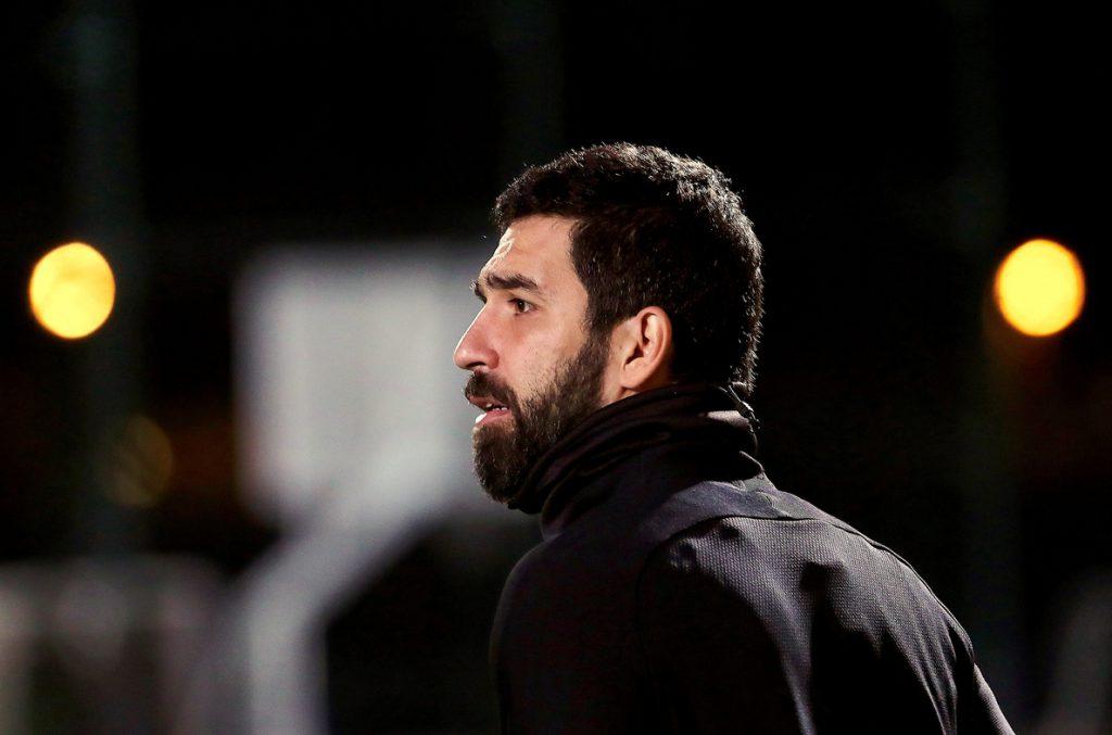 El Basaksehir de Estambul negocia con el Barcelona para fichar a Arda Turan